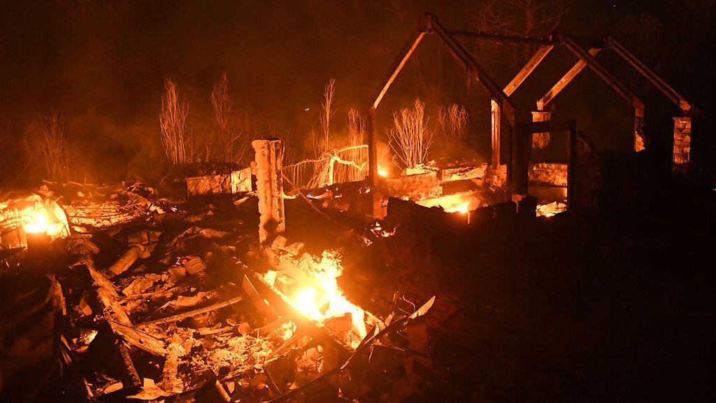 Cientos de personas evacuadas por un incendio en California