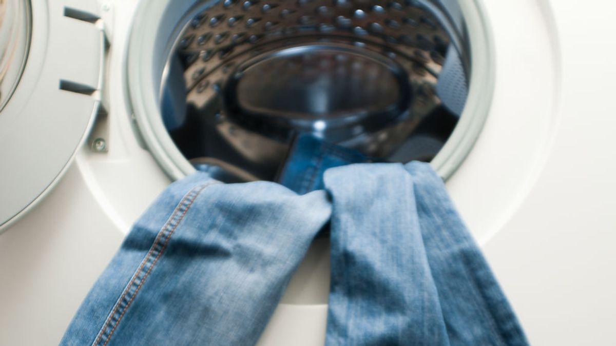 ¿Sabes cómo lavar los pantalones vaqueros?