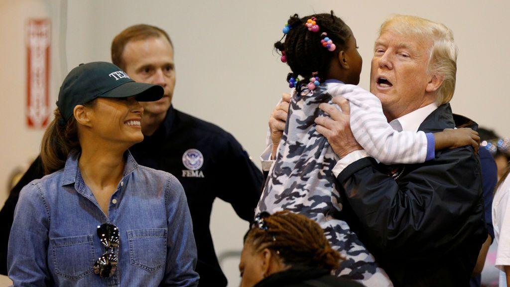 Trump visita por segunda vez Texas tras el paso de 'Harvey'