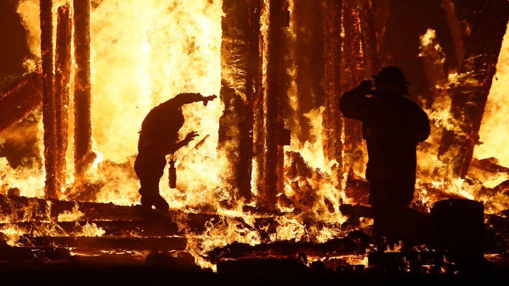 Hombre quemado en Festival