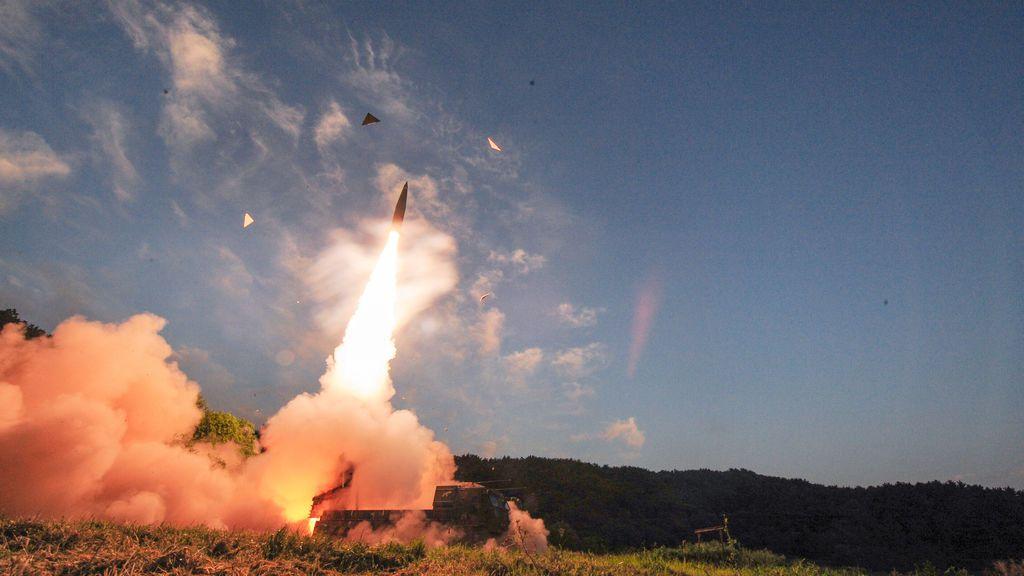 Corea del Sur realiza maniobras militares con fuego real en respuesta al último ensayo nuclear de Pyongyang