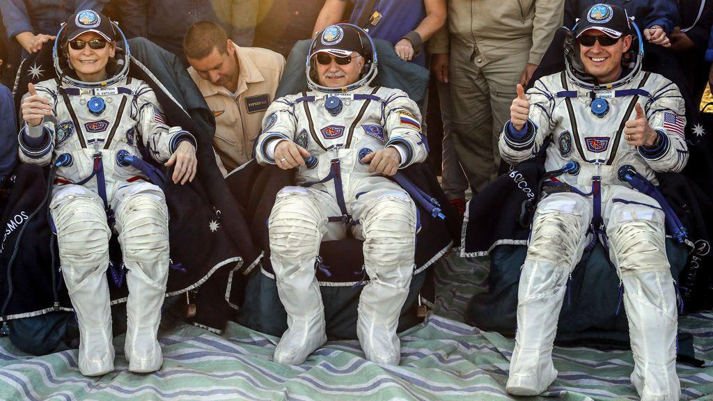 Vuelta a casa: tres astronautas de la Estación Espacial Internacional regresan a la Tierra