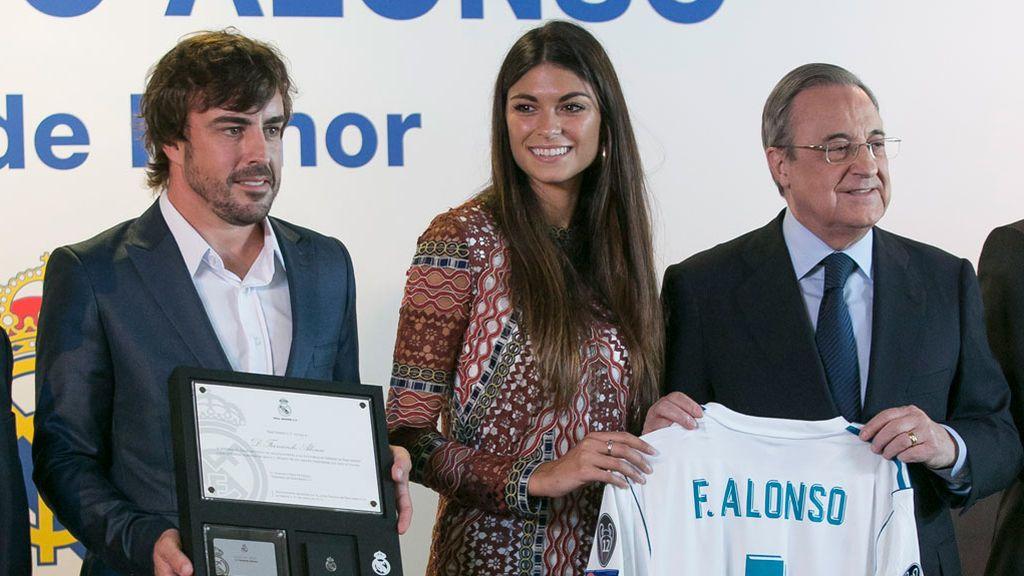 Fernando Alonso: premiado y enamorado
