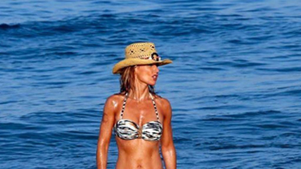 Emma García despide el verano luciendo cuerpazo en bikini
