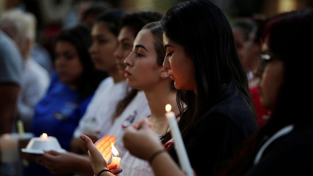 Acción Diferida para Llegadas Infantiles (DACA, por sus siglas en inglés) realizan una vigilia en la Plaza San Jacinto en El Paso, Texas