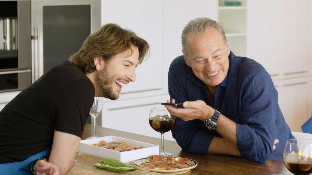 """Bertín y Manuel llaman a Raphael: """"Mi madre tiene una foto mía con él enmarcada en casa"""""""
