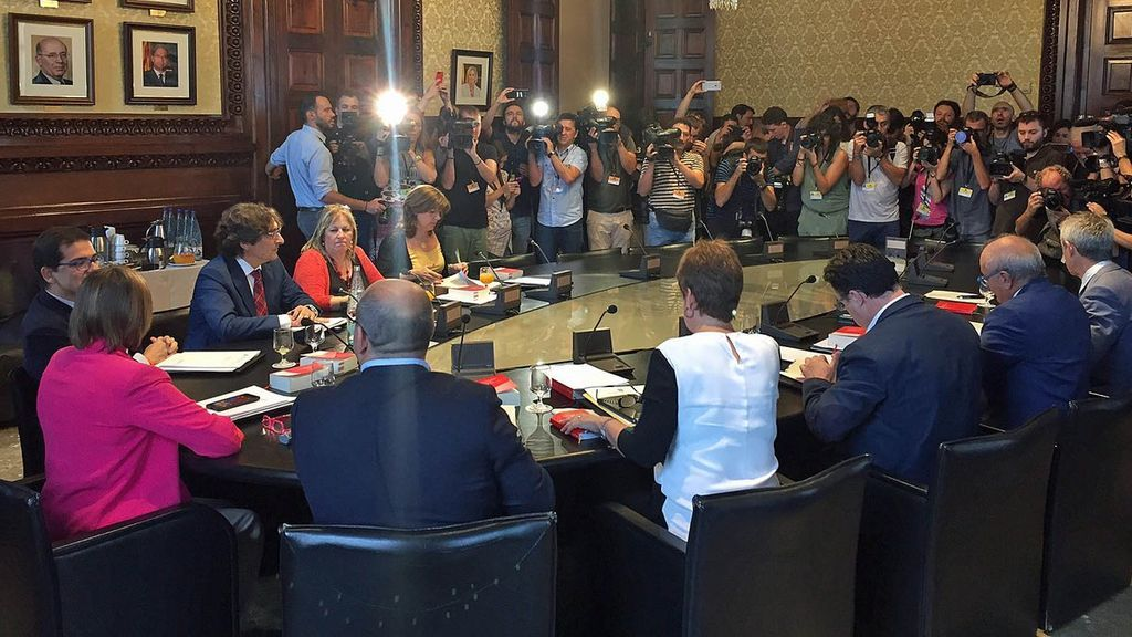 Fiscalía se querella contra los miembros de la Mesa que han aprobado la admisión a trámite de la Ley de Referéndum