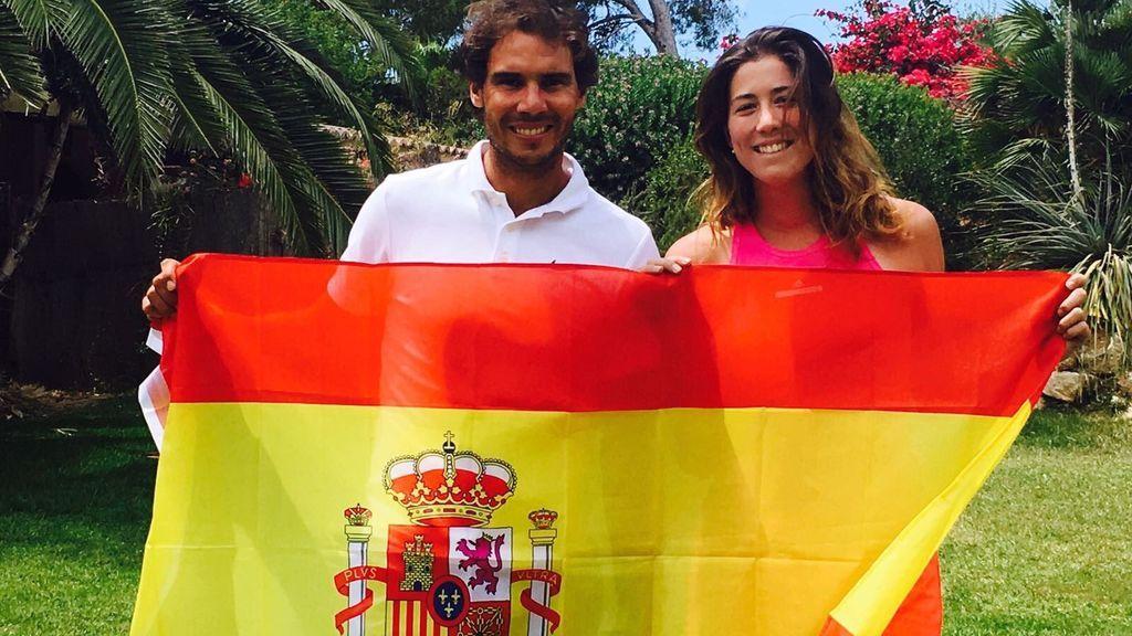 ¡La foto de los números uno! Así posan juntos Garbiñe y Nadal en la cima del tenis mundial