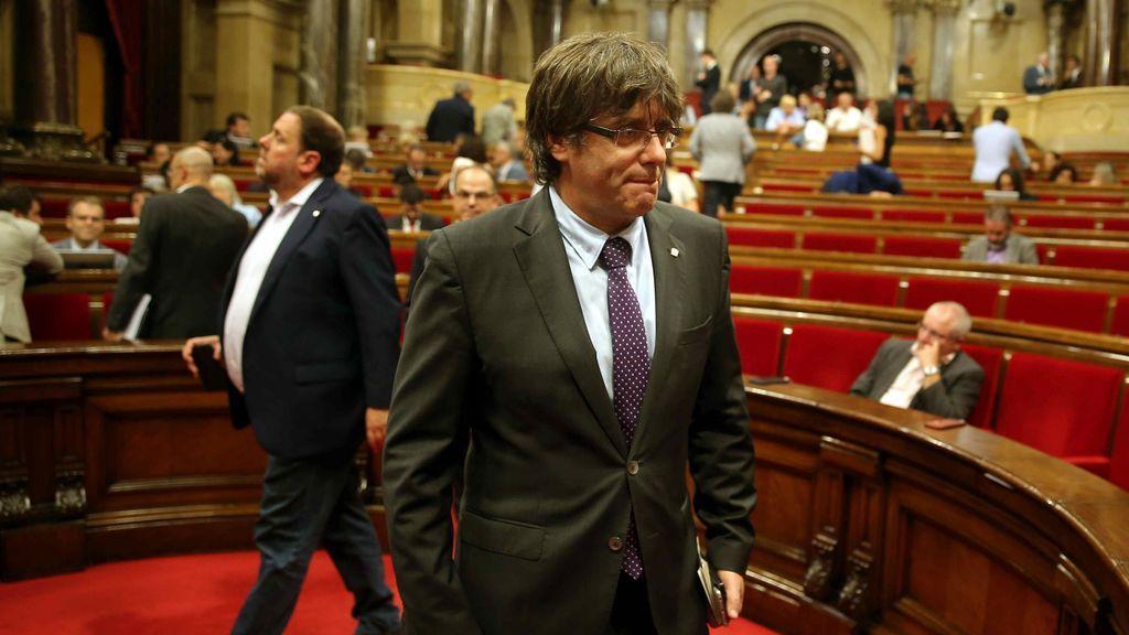 Puigdemont y Junqueras en el Parlamento de Cataluña