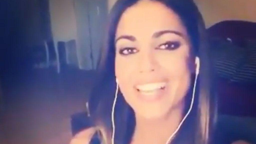 Lo ha vuelto a hacer: Lara Álvarez se levanta cantarina y nos