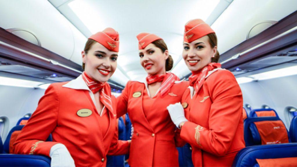 Dos azafatas rusas le ganan el pulso a Aeroflot que no quería gordas en los vuelos internacionales