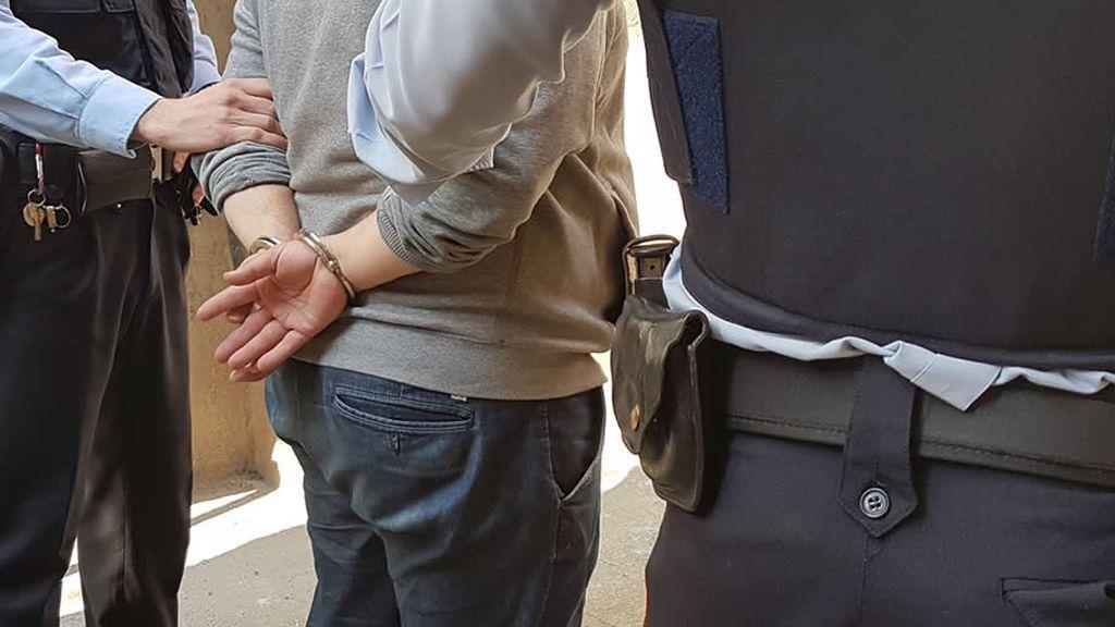 A prisión un joven por tocamientos y agresión sexual a cuatro chicas en Barcelona