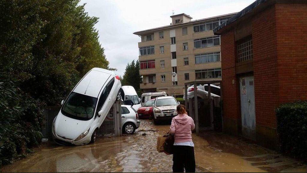 Seis muertos y tres desaparecidos por el temporal en la Toscana