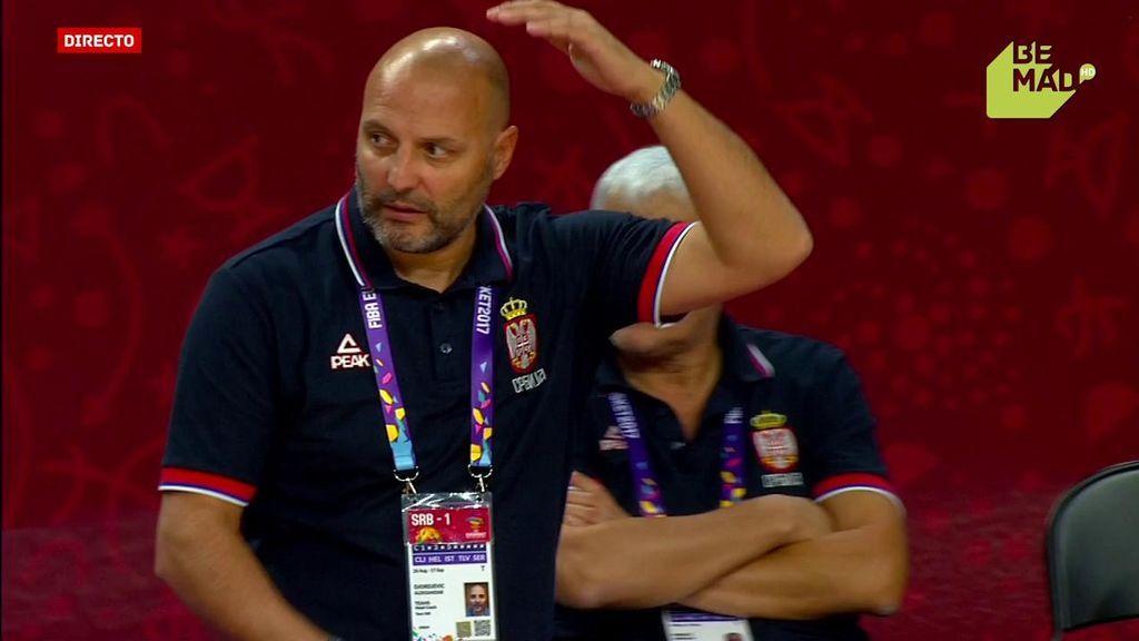 ¡Las malas pulgas de Djordjevic! El cabreo del técnico serbio por una mala defensa de sus jugadores