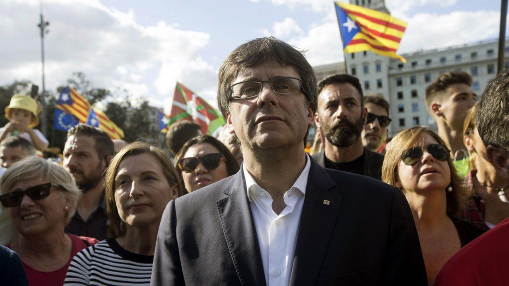 Carles Puigdemont y Carme Forcadell, en la manifestación de la Diada