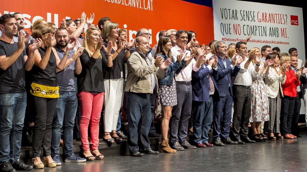 """Los alcaldes del PSC no se amedrentarán con """"amenazas"""" y reivindican una Cataluña plural"""
