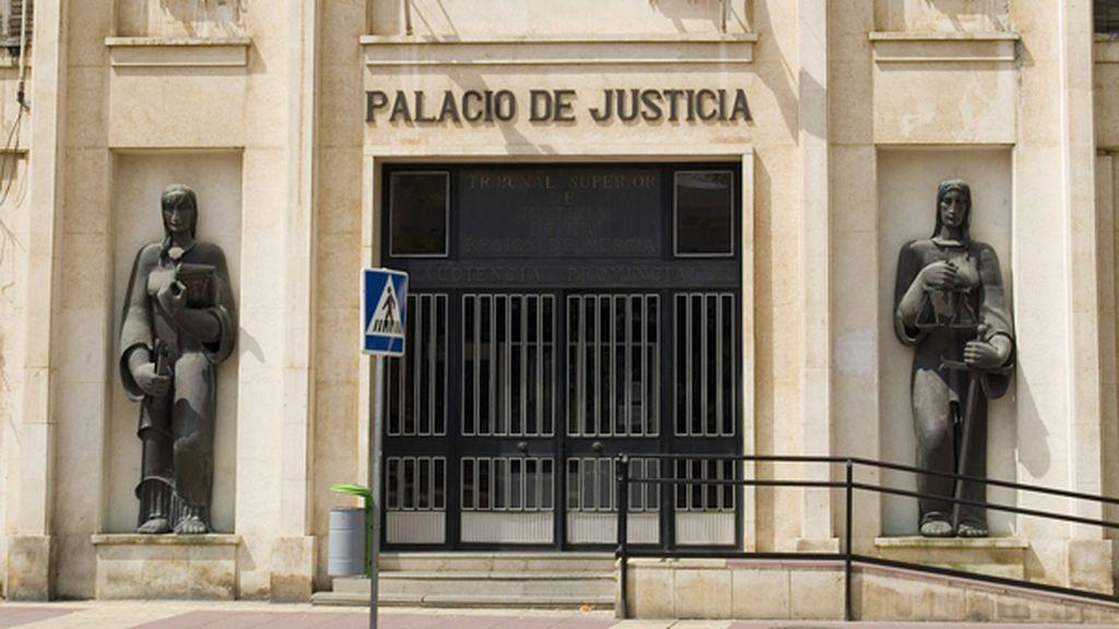 Condenan al tesorero de una comunidad de propietarios a 21 meses de cárcel por apropiarse de 9.000 euros