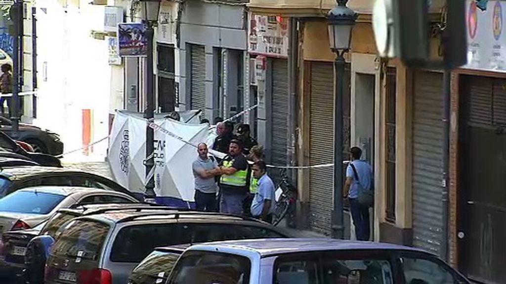 Un policía muere apuñalado mientras investigaba un crimen en Valencia