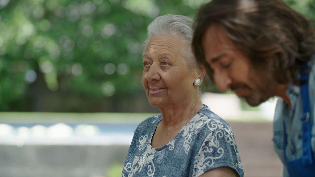 La madre de Carmona habla de la importancia del 'pañuelo' en comunidad gitana