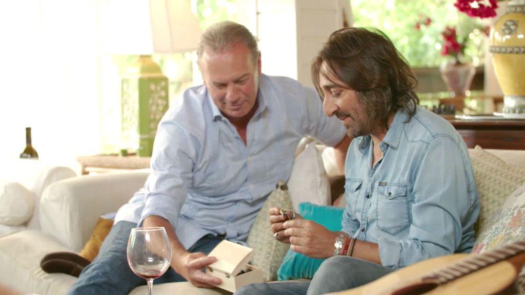 """Antonio Carmona: """"Mi padre murió de alzheimer, pero tocó la guitarra hasta el último día"""""""