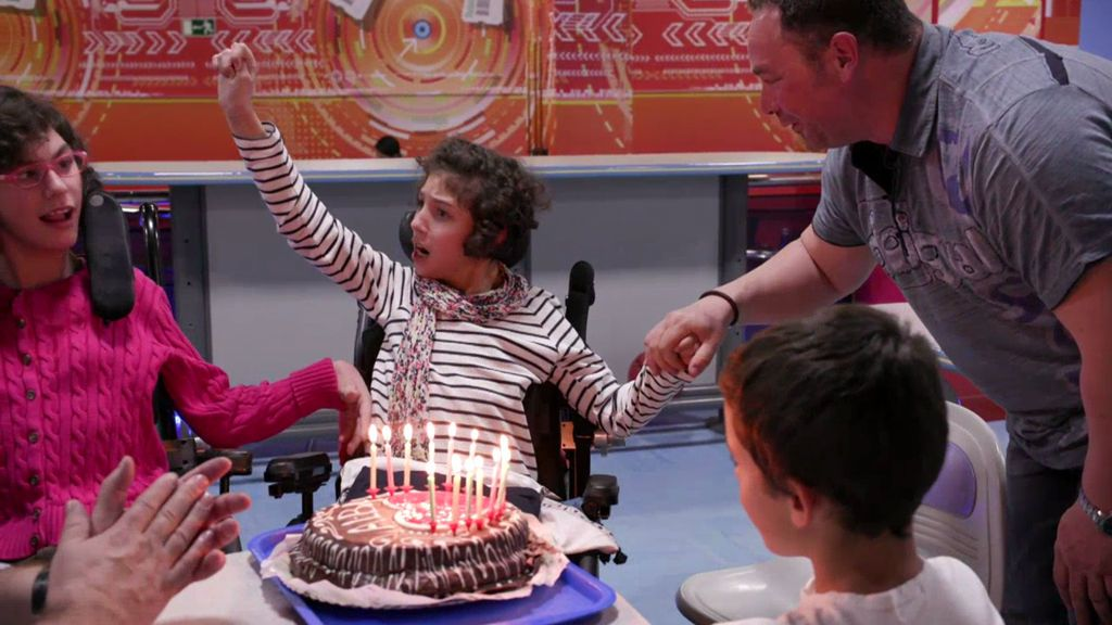 David Cubillo celebra el cumpleaños de su hija, afectada de parálisis cerebral