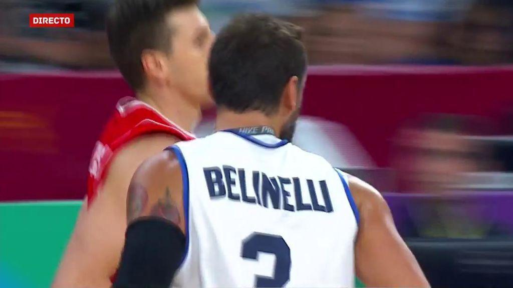 ¡Cañonero Belinelli! Ni se lo piensa para lanzar desde la línea de tres