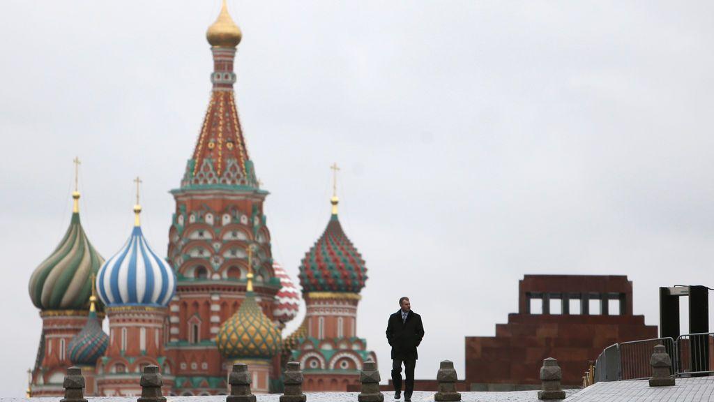 Desalojan a 45.000 personas por falsos avisos de bomba en Moscú