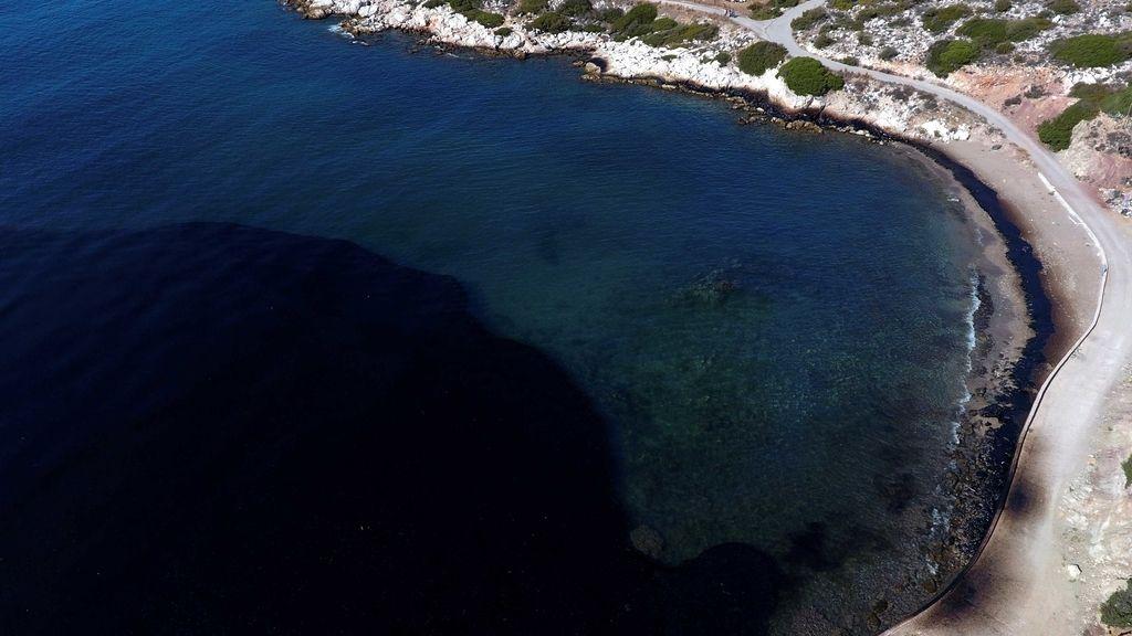 Marea negra: impactantes y muy tristes las imágenes de los daños provocados por el 'chapapote griego'
