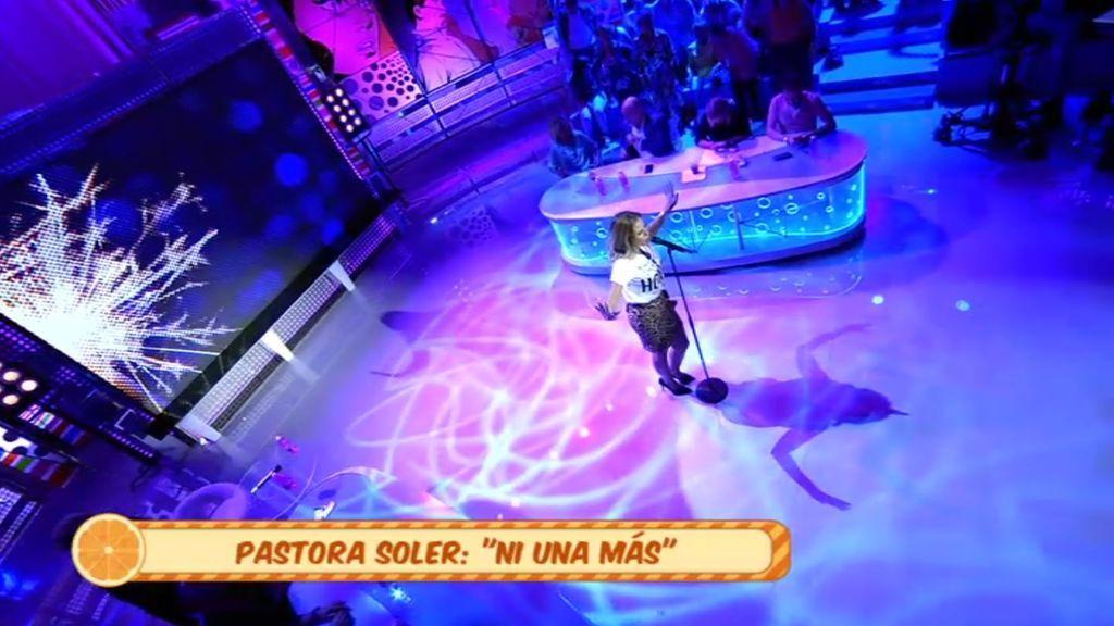 Pastora Soler nos presenta el tema 'Ni una más'