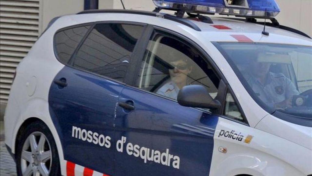 Un preso huye tras romper la ventanilla del coche policial que lo conducía a prisión
