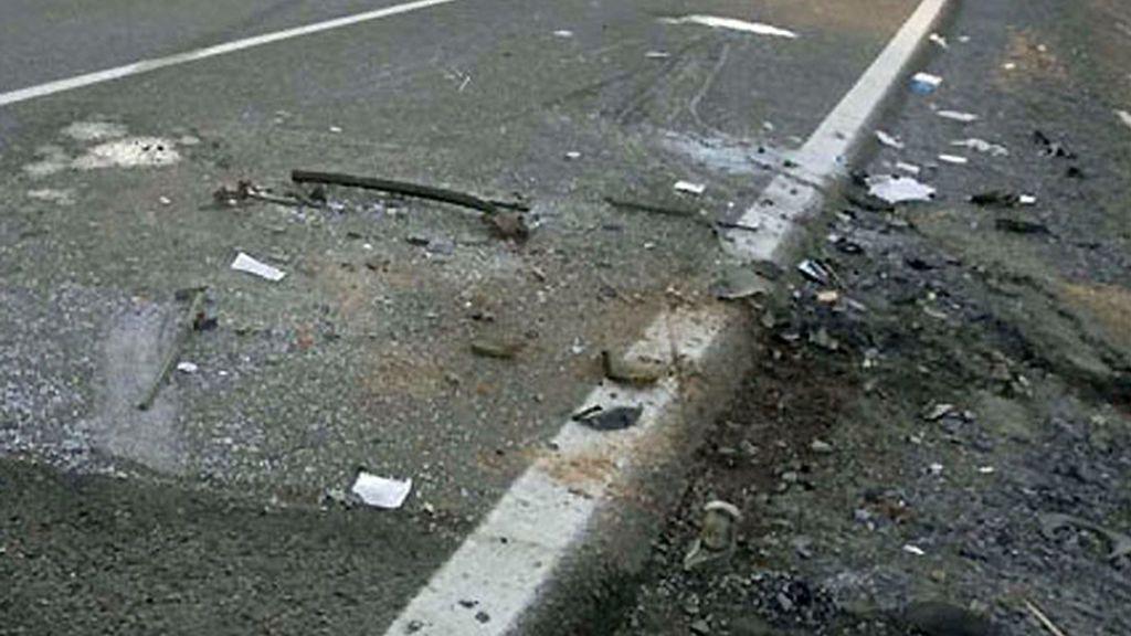 Un muerto y dos heridos en un choque entre turismo y furgoneta en Santa Cristina de la Polvorosa, Zamaro