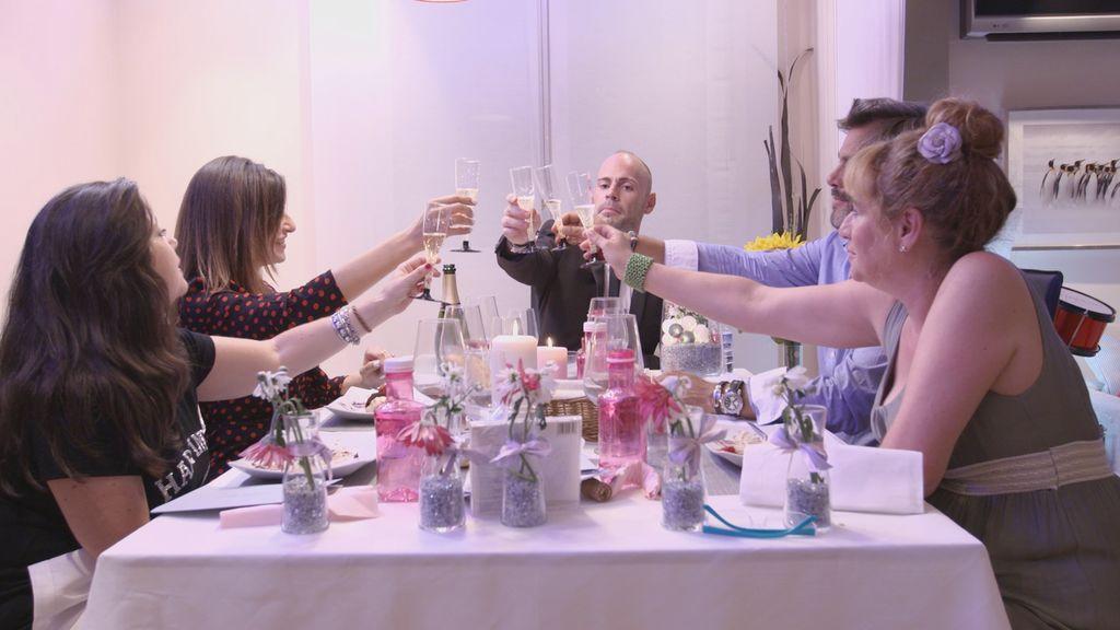 'Ven a cenar conmigo', el nuevo concurso de Cuatro, se estrena el lunes 18 de septiembre con un especial en prime time
