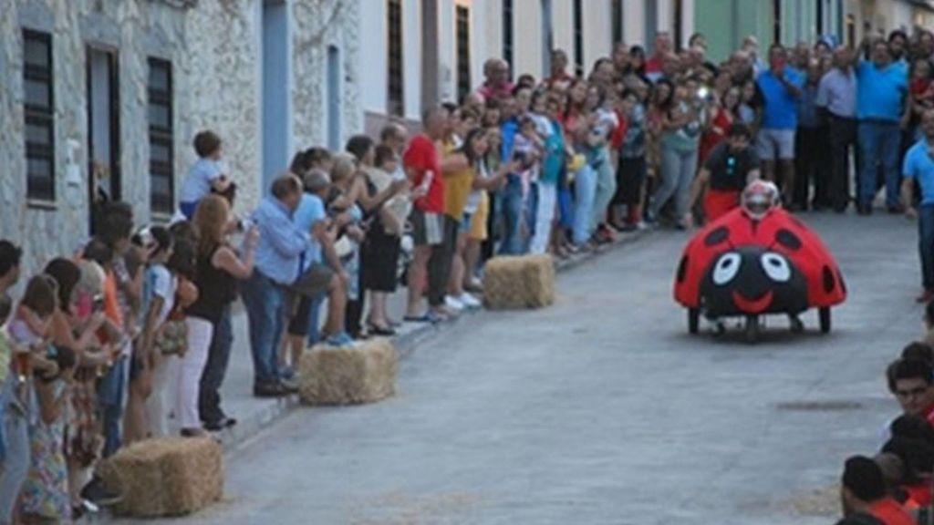 Dos heridos graves, uno de ellos menor, en una carrera de 'autos locos' en Badajoz
