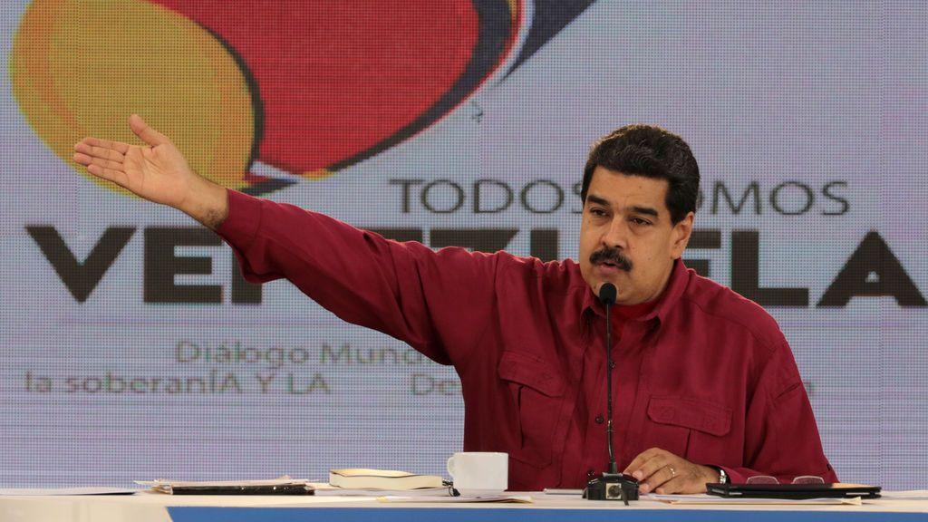 """Maduro acusa a Rajoy de actuar """"como dictador"""" por no permitir el referéndum"""