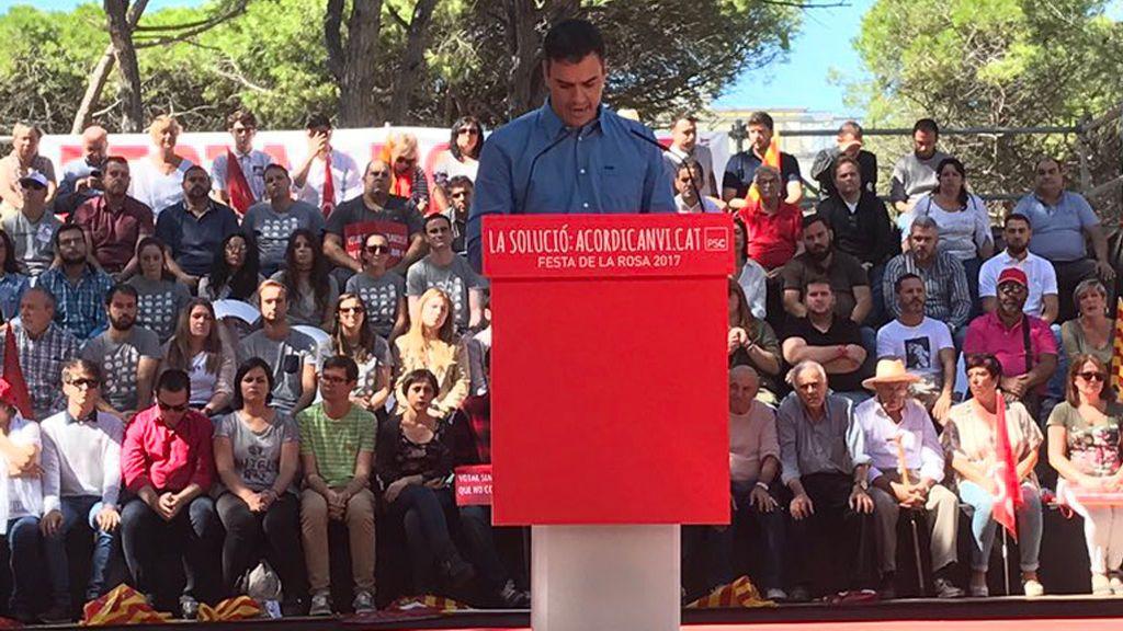 Pedro Sánchez apoyará a Rajoy pero le reprocha que no haya dialogado antes