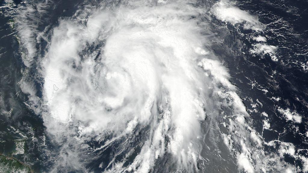 La tormenta tropical 'María' se fortalece y se convierte en un huracán