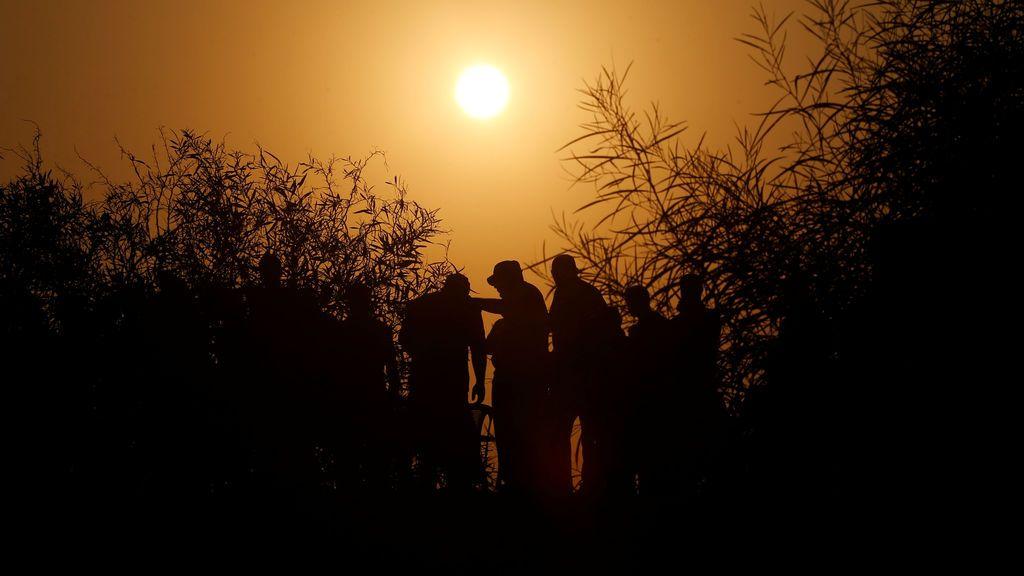 Militantes palestinos de las Brigadas Al-Nasser Saladino participan en un simulacro en la Franja de Gaza