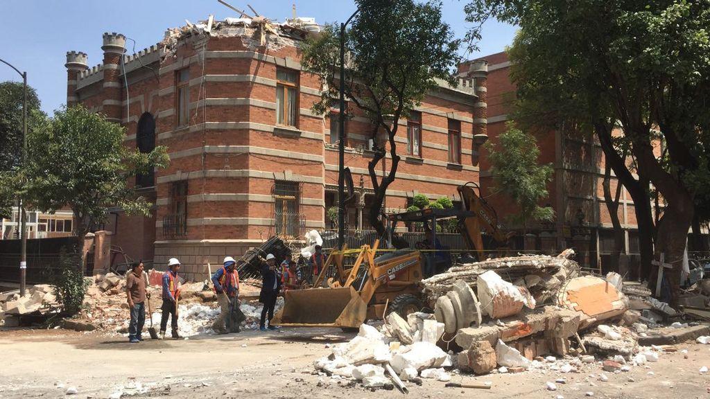 Un fuerte terremoto hace temblar México