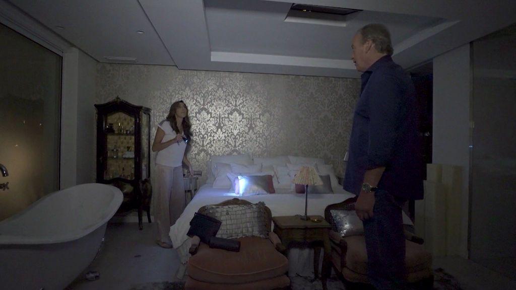 Paz Padilla enseña su casa por primera vez en televisión… ¡a oscuras y con los plomos fundidos!