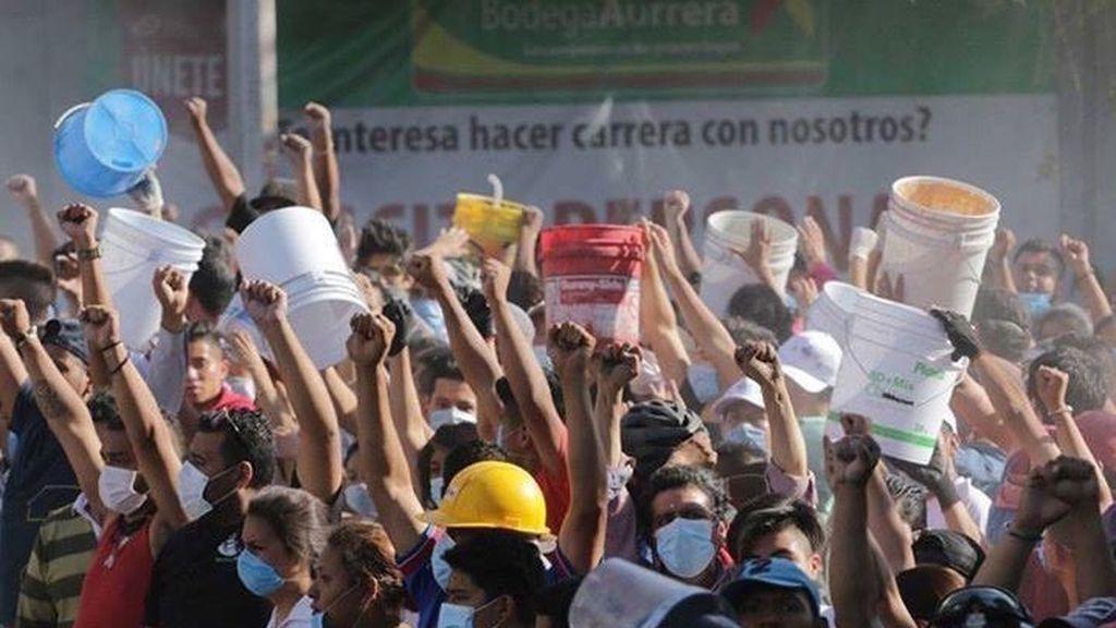 ¿Por qué los mexicanos están levantando el puño en medio de la barbarie?