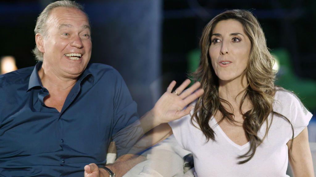 En mitad de la entrevista se va la luz en casa de Paz Padilla … ¡y ella se lanza sobre Bertín!