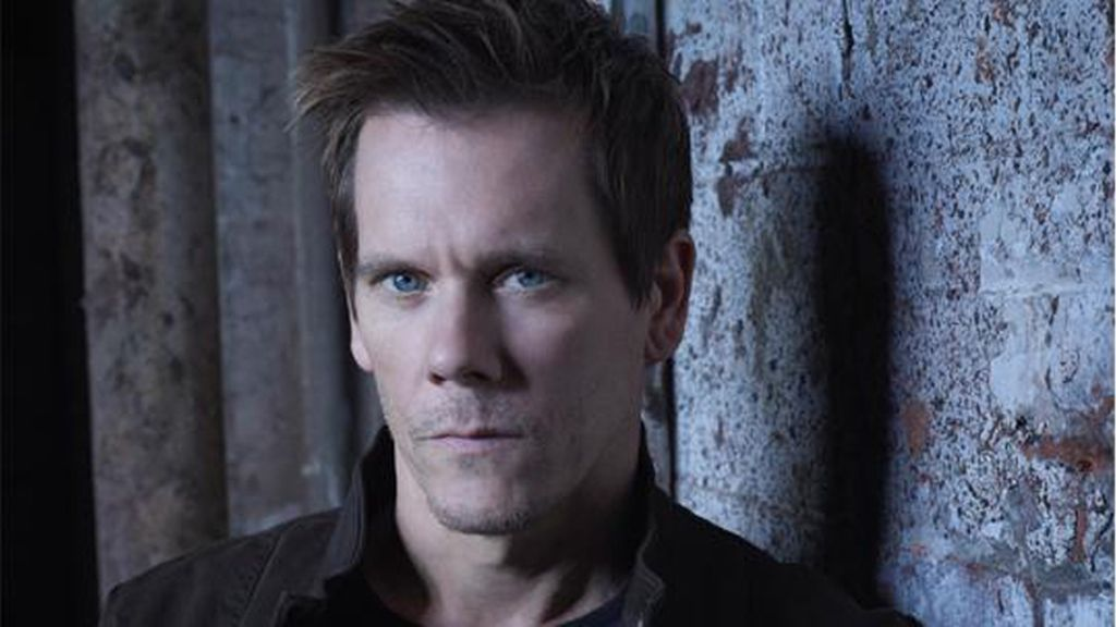 Kevin Bacon es Ryan Hardy
