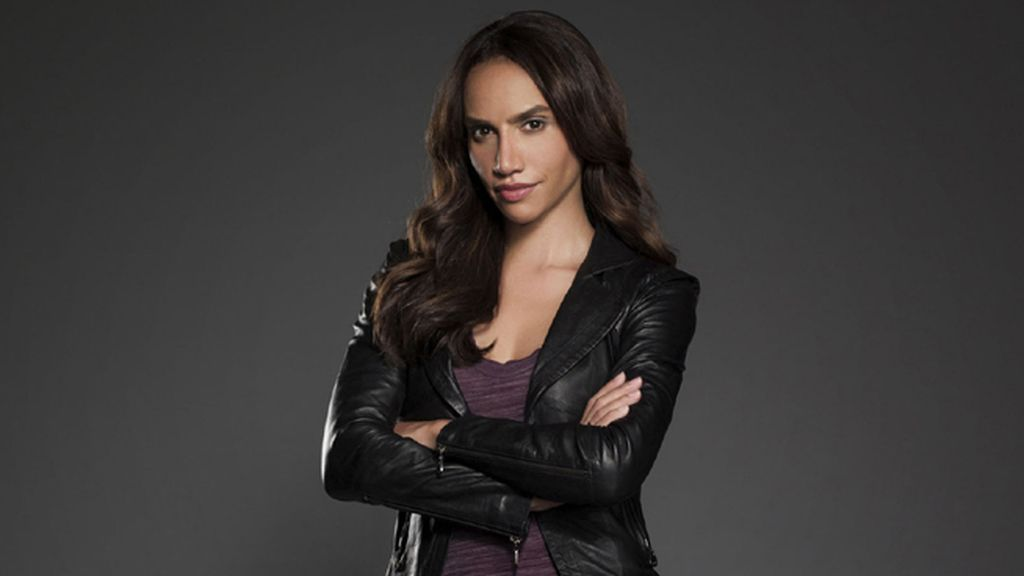Nina Lisandrello es Tess Vargas