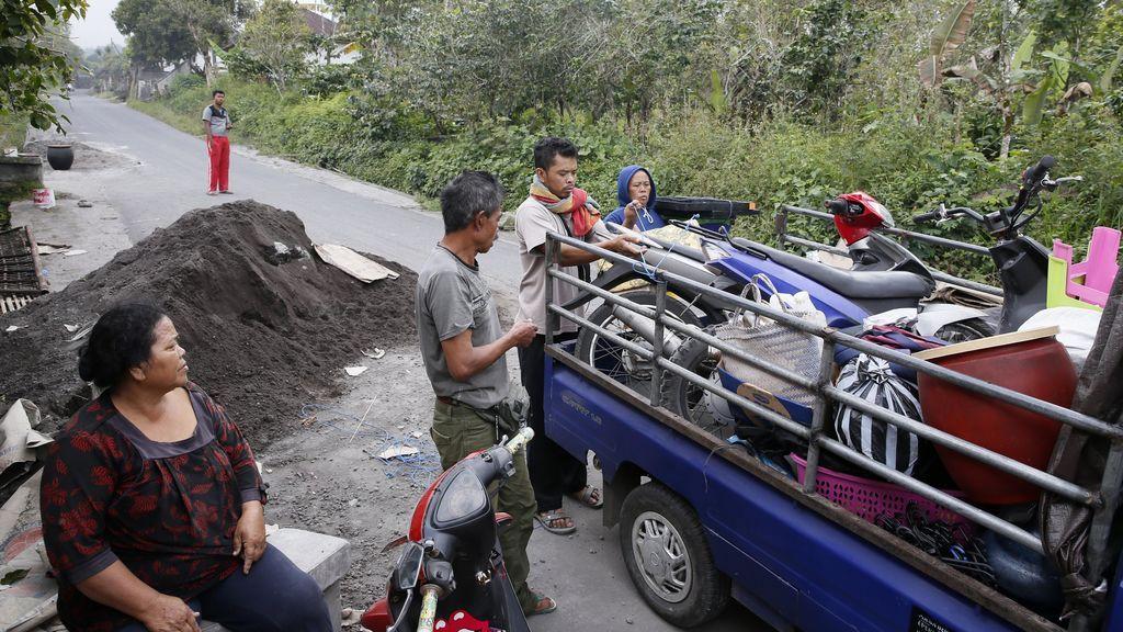 Aumenta la actividad volcánica del Monte Agung