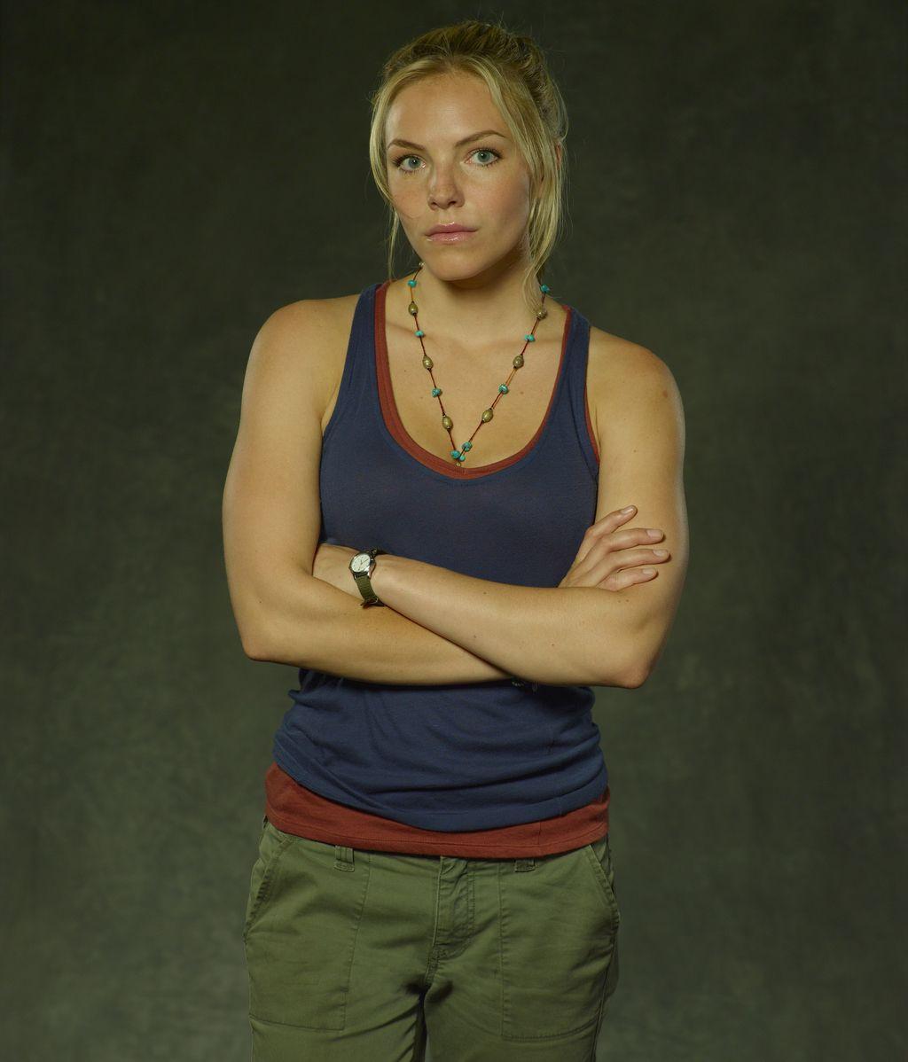 Eloise Mumford es Lena Landry