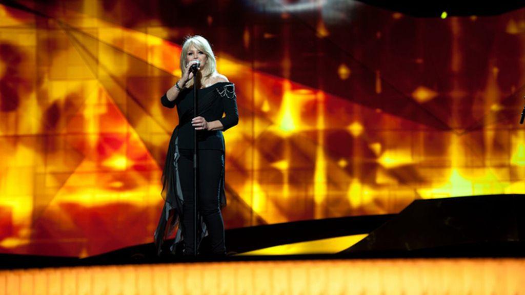 Reino Unido. Bonnie Tyler. 'Believe in me'