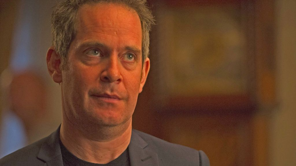 Tom Hollander es el mayor Corkoran