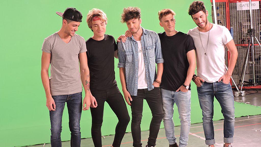 Blas, David, Blas, Álvaro y Dani frente al croma.