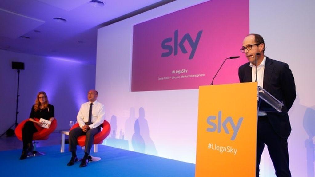Sky llega a España con 12 canales de pago, series y cine por diez euros al mes