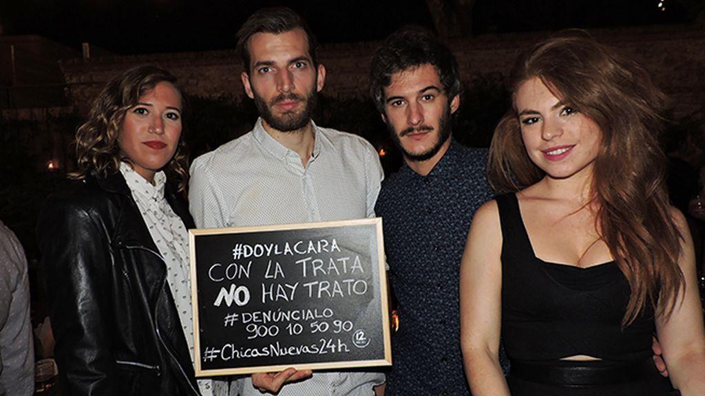 Todos dan la cara en el estreno de 'Chicas Nuevas 24 Horas'